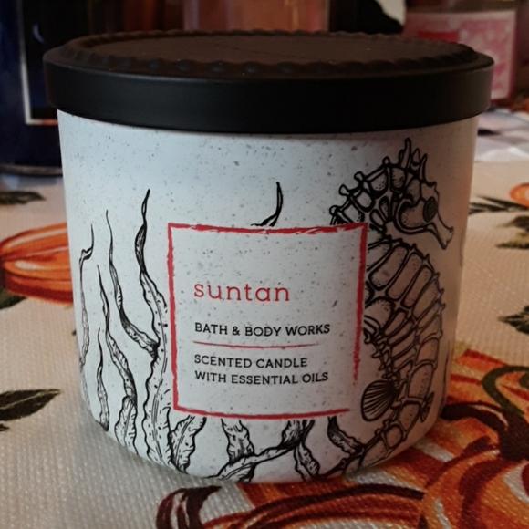Bath and body works Suntan candle
